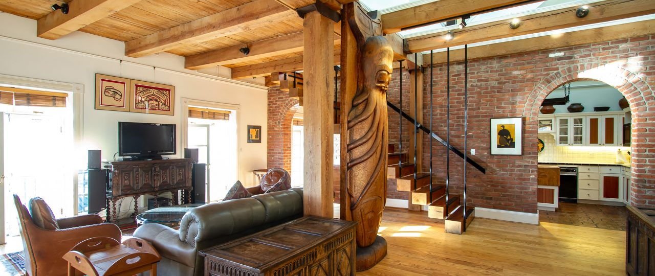 Large living room with carved totem